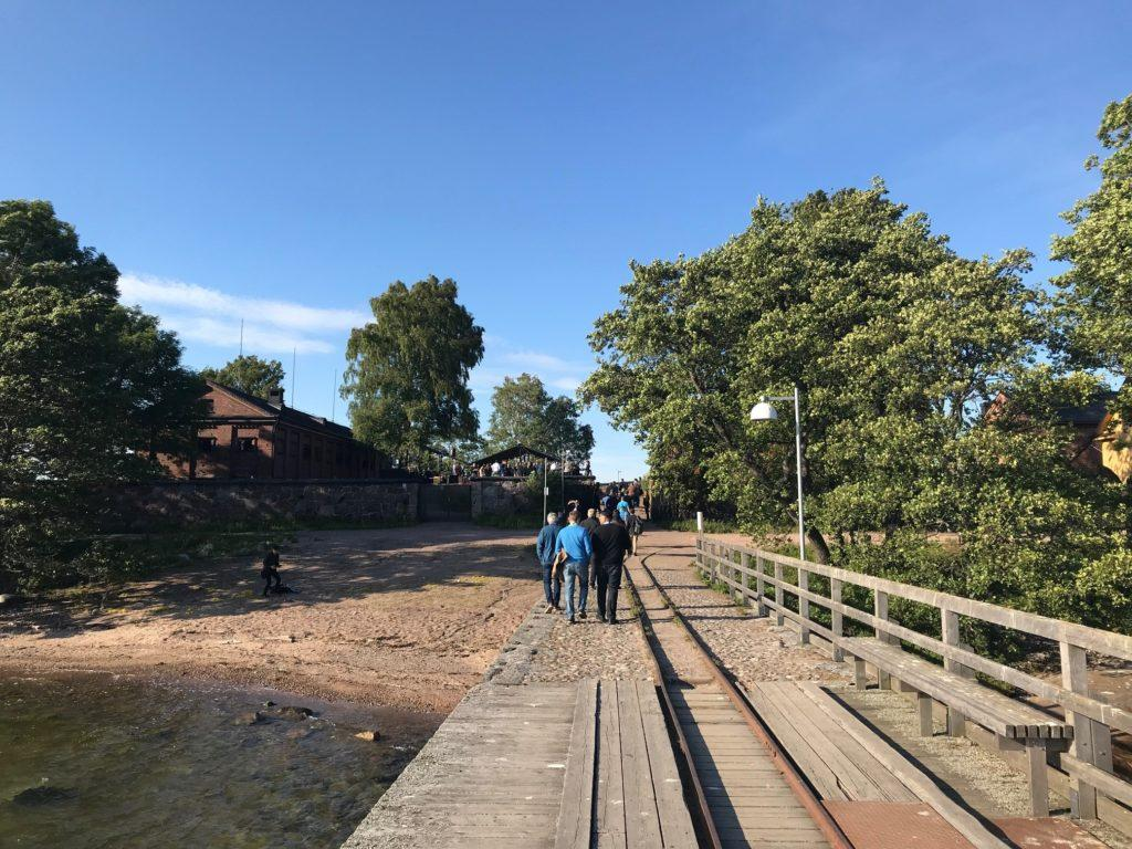 Wirepas Go 2018 participants walking